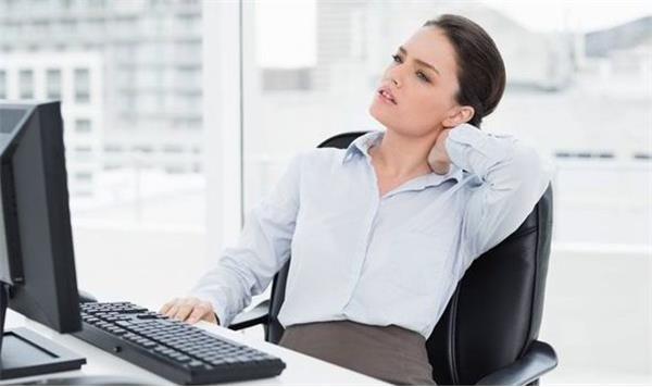 Vật lý trị liệu nào cho chứng đau vai gáy của dân văn phòng