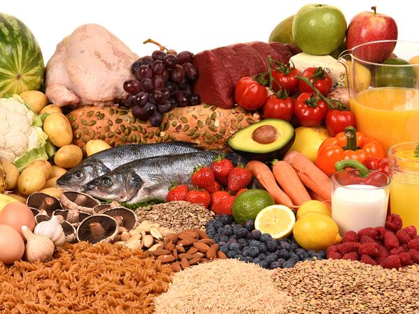 Chế độ ăn uống dinh dưỡng cho người bệnh thoái hóa đốt sống cổ