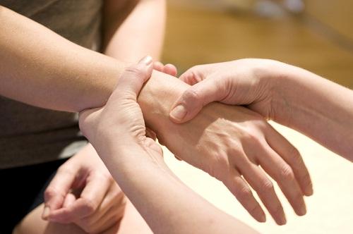 Phục hồi chức năng sau phẫu thuật gân bàn tay