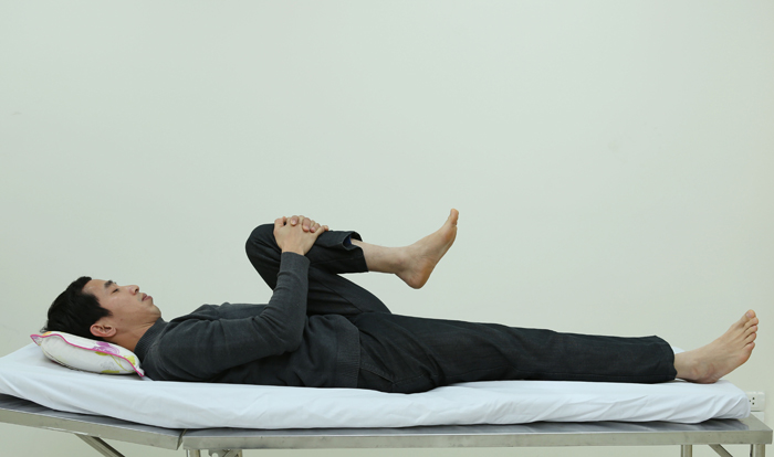 các bài tập đơn giản giúp trị thoát vị đĩa đệm cột sống thắt lưng