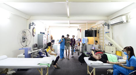 hỗ trợ bệnh nhân tai biến tại phục hồi chức năng hữu nhân