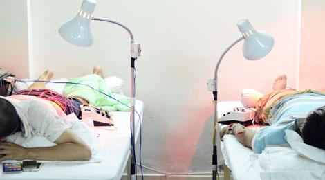 châm cứu điện trị liệu phục hồi chức năng hữu nhân