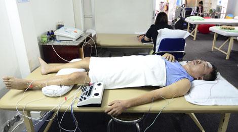 Điều trị bệnh tai biến mạch máu não bằng Đông y