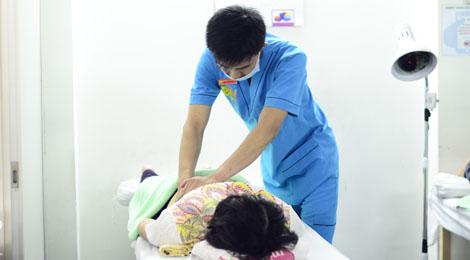 xoa bóp trị liệu tại phục hồi chức năng hữu nhân