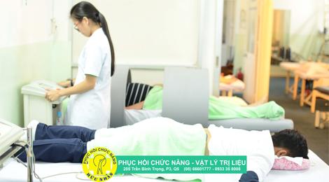 bệnh nhân tai biến tại phục hồi chức năng vật lý trị liệu hữu nhân