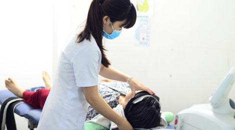 Triệu chứng, nguyên nhân và cách điều trị bệnh đau nửa đầu liệt nửa người