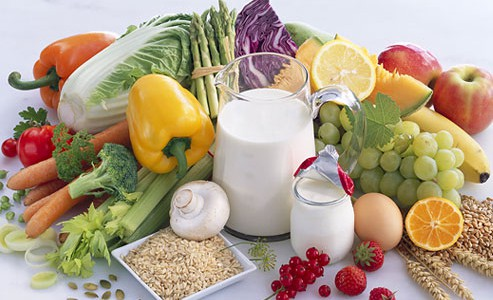 Dinh dưỡng cũng giúp phòng chống bệnh thoái hóa đốt sống cổ.