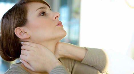 tự massage để giảm đau đầu