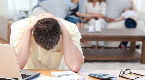 8 cách đối phó với cơn đau đầu thường xuyên khi làm việc