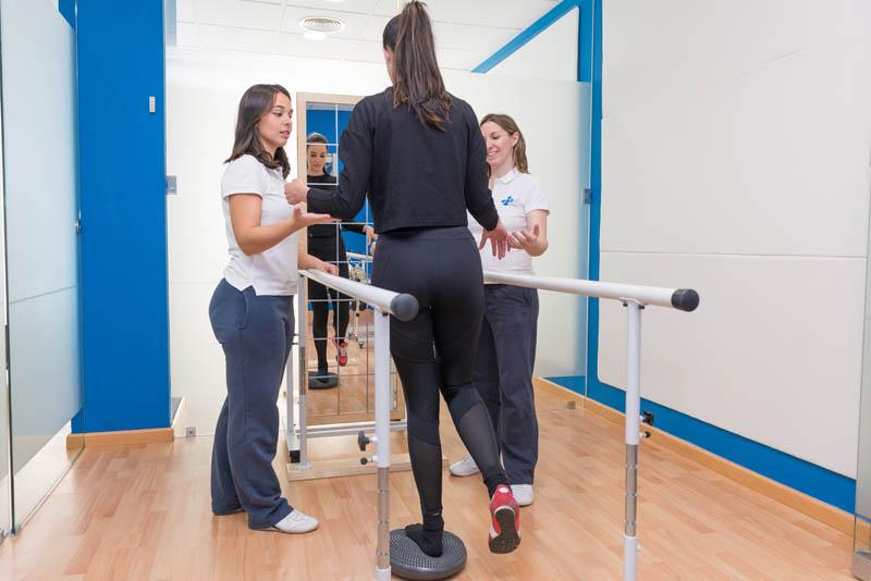 Tập dồn trọng lượng lên chân yếu