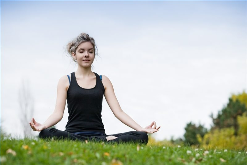 Ngồi thiền cũng là một phương pháp giúp điều trị căn bệnh trầm cảm